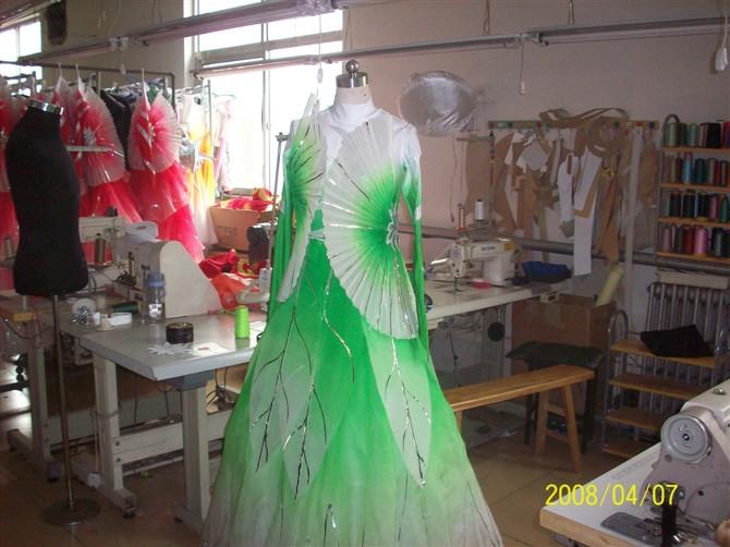 俏丹妮美儿服装设计工作室